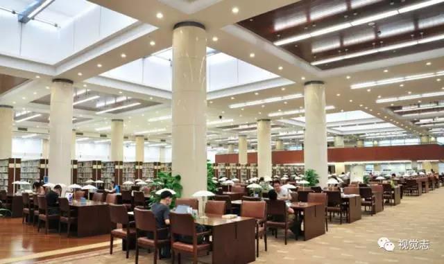 头条 | 图书馆涌进许多流浪汉,结果让所有人沉默了…