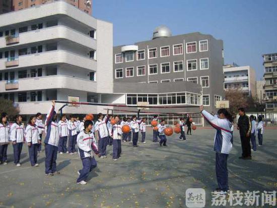 【民生】南京设中小学生校园重大意外伤害救助金 单次最高救助60万