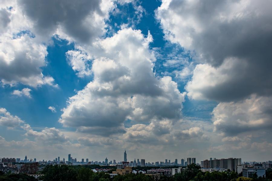 【天气】南京近日天气清凉且珍惜 一周高温高湿将至