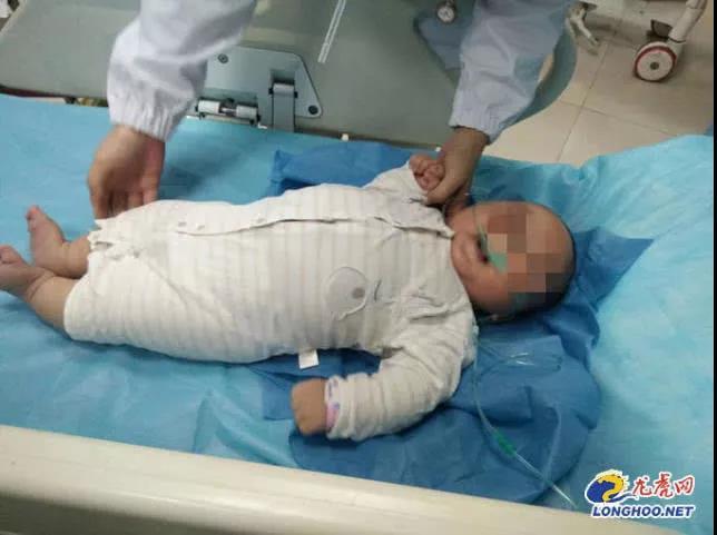 暴雨夜,6个月大男婴被遗弃在桥洞!送医时全身抽搐