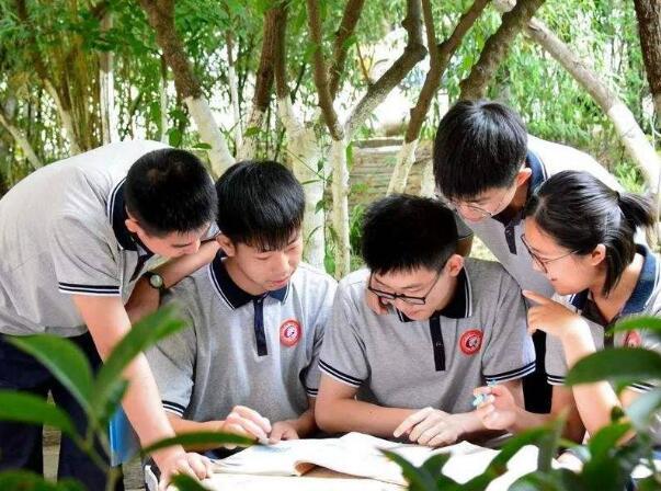 江苏省中小学将迎秋季新学期——教材大变脸